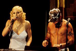 Madonna com Junior Vasquez numa de suas pajamas parties