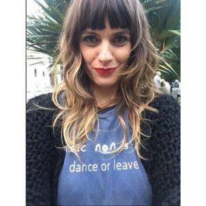 A diretora de vídeos Andrea Cassola arrasando com a tee do Music Non Stop