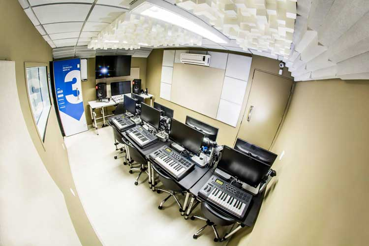 Sala do curso de produção