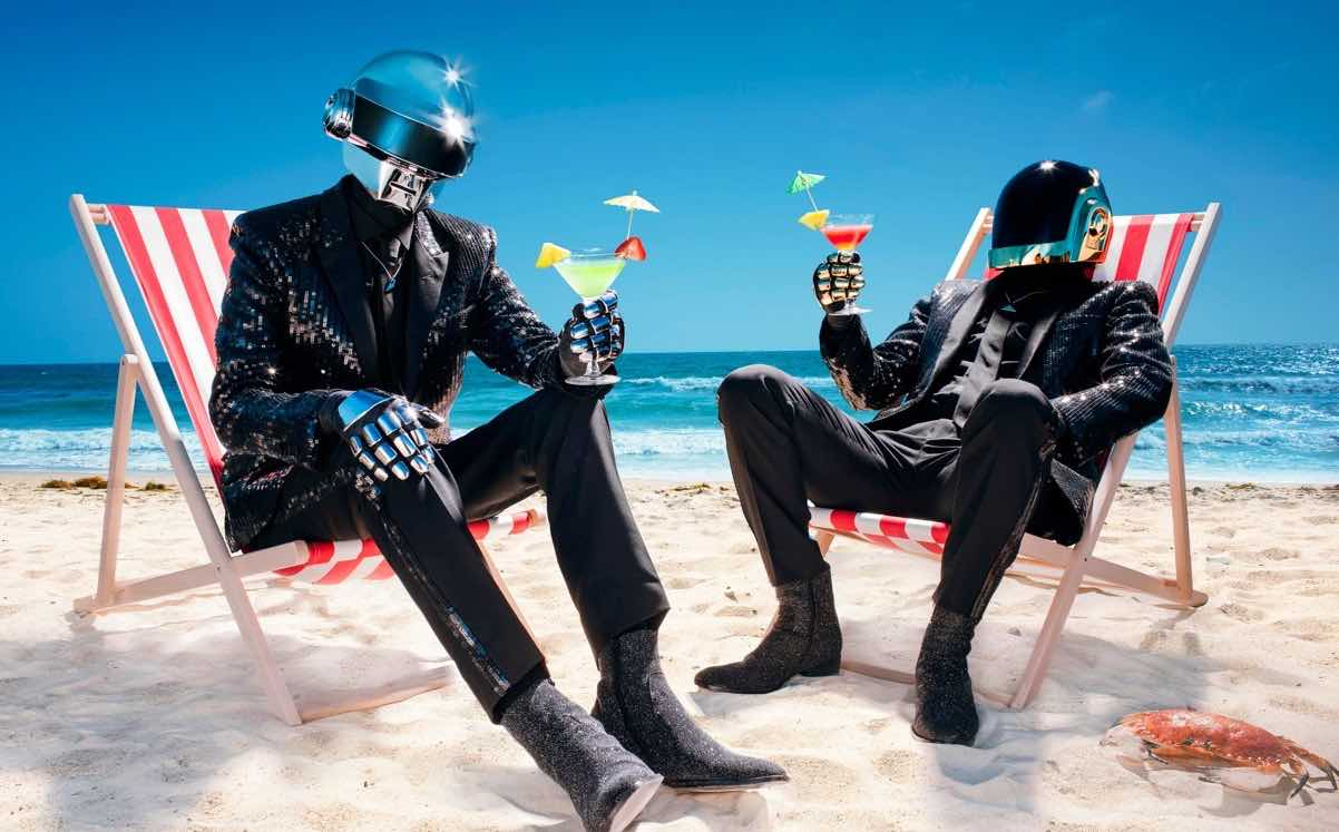 daft-punk-beach-cocktails
