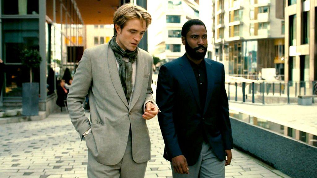 Robert Pattinson e John David Washington em Tenet