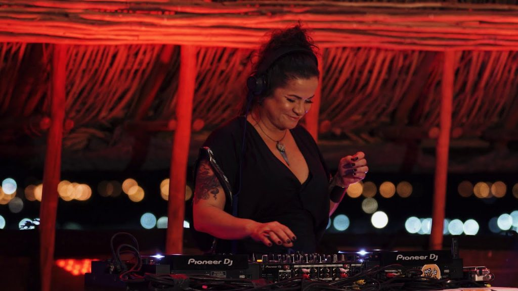 mulheres DJs