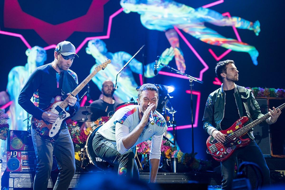 Coldplay tocando em Hamburgo no festival Global Citizen