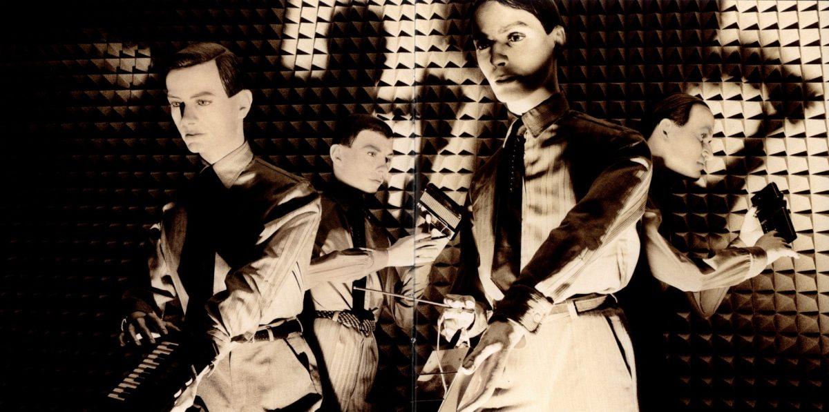 Kraftwerk - encarte do álbum Computer World 1981