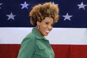 Macy Gray com a bandeira dos Estados Unidos