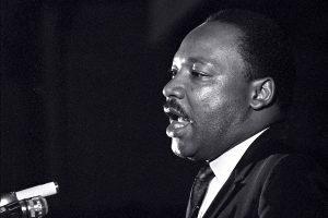 Martir Luther King discursando