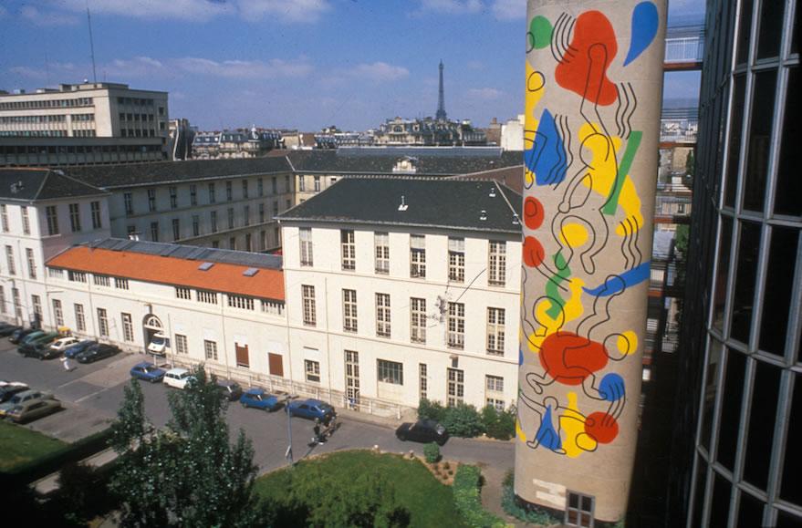 Mural de Keith Haring em Paris, no hospital Necker