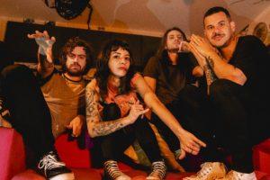 banda Violet Soda