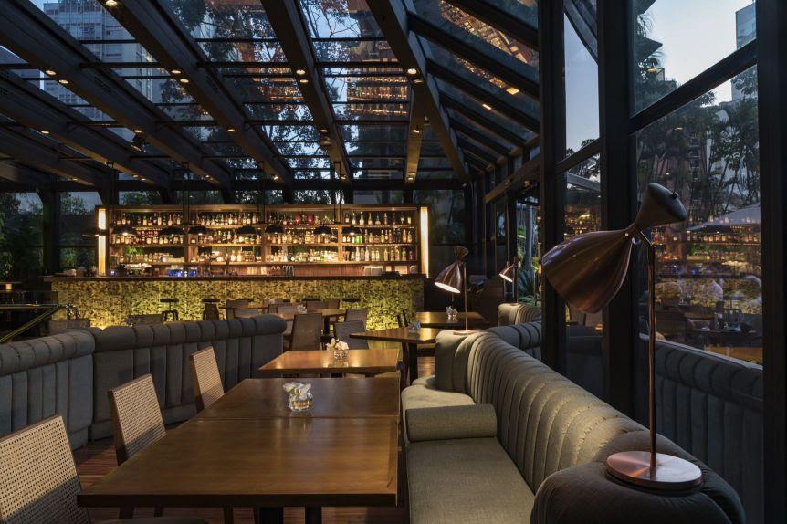 Interior do Must Bar