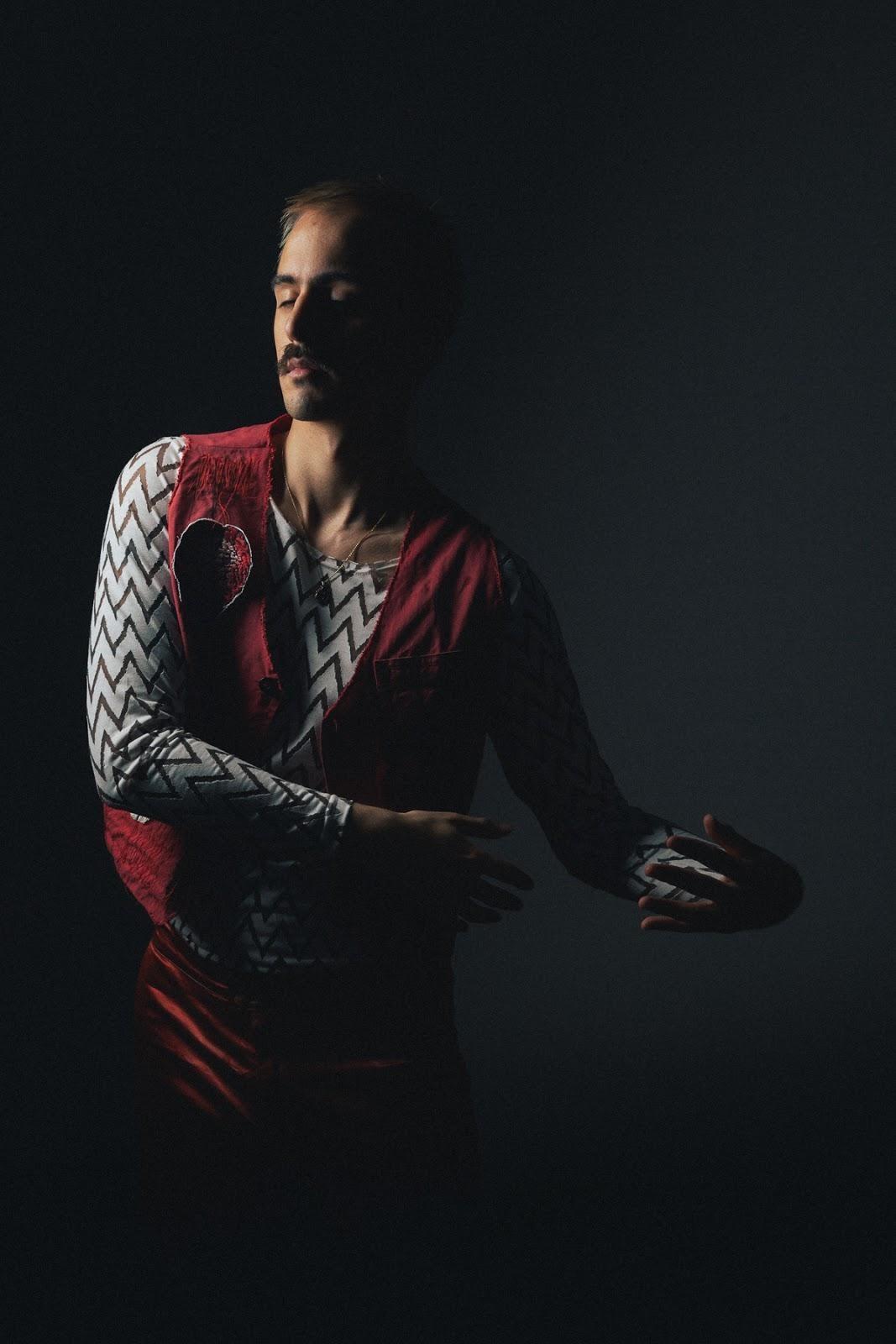 Gabriel Edé dança