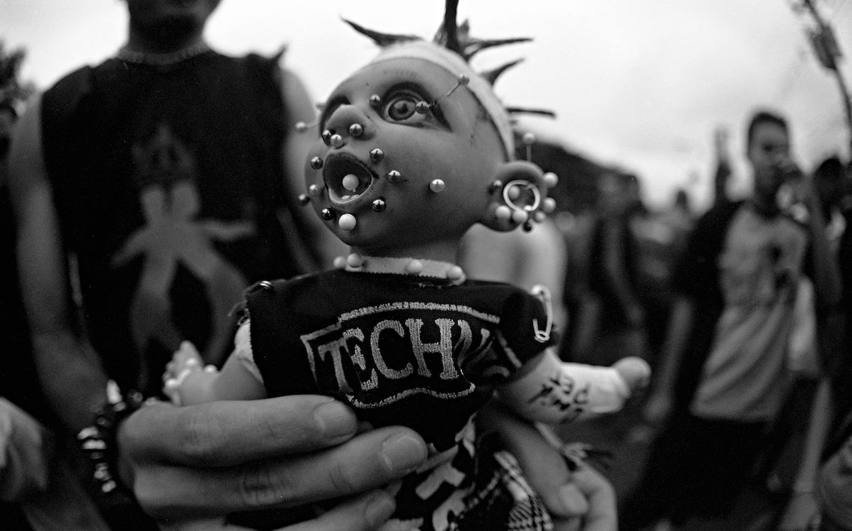 boneca techno